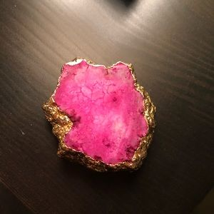 Pink and gold quartz pop socket